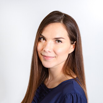 Kuva henkilöstä Annukka Alivaara