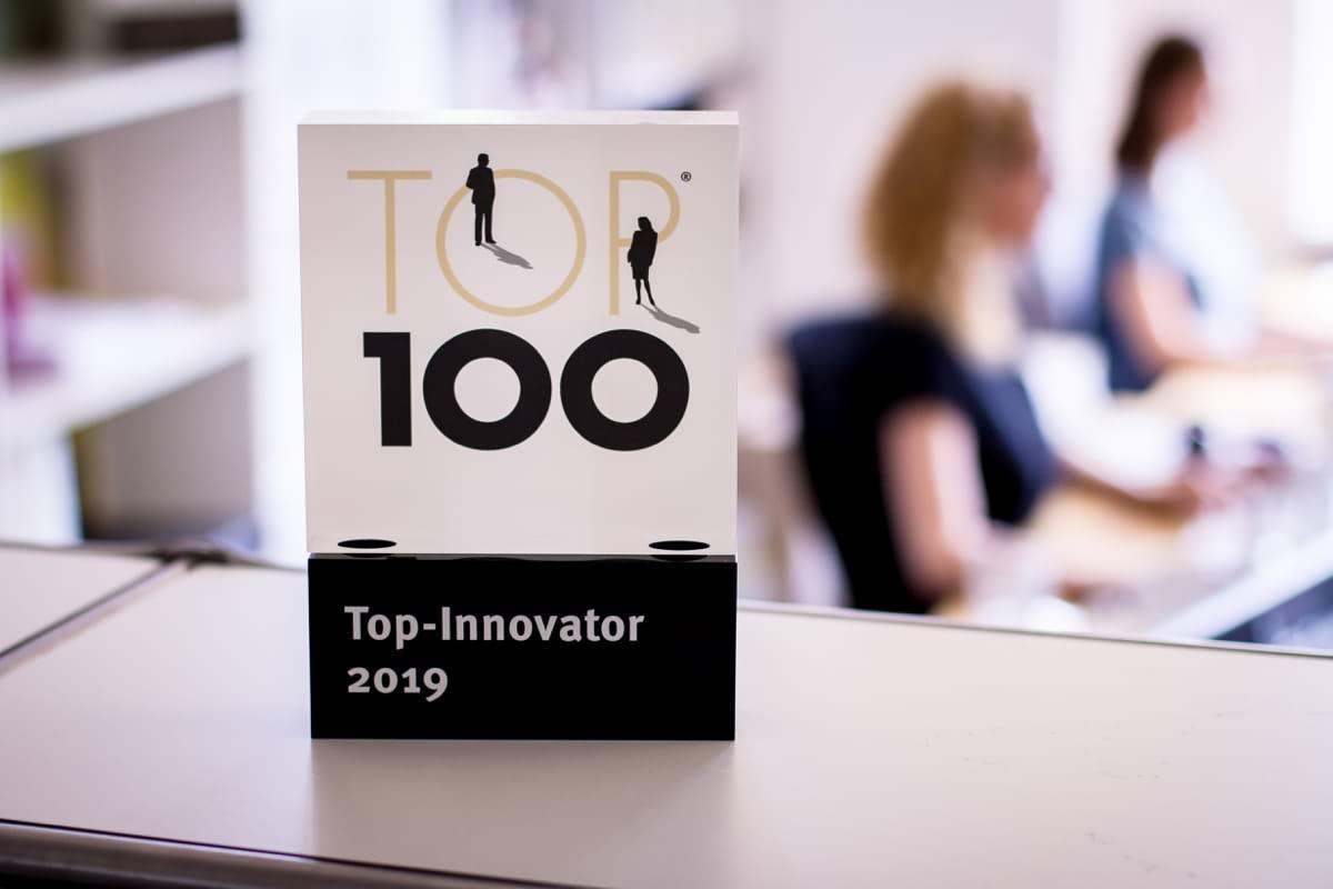 simpleshow Trophäe Top 100 Büro 20190702.jpg