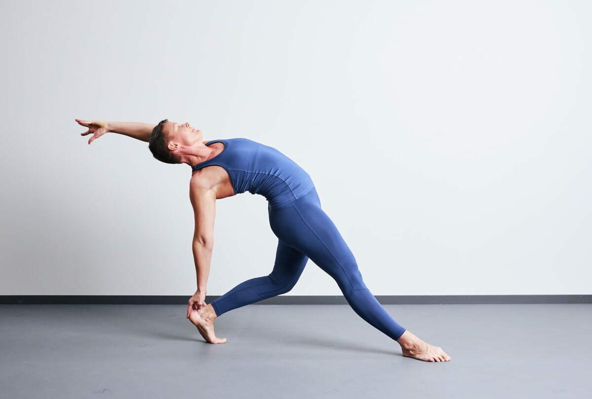 Diagonal Stretch with Straight leg.jpg