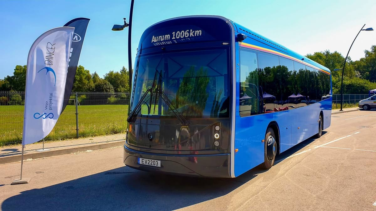 Aurum 1006 km race Dancer Bus.jpg