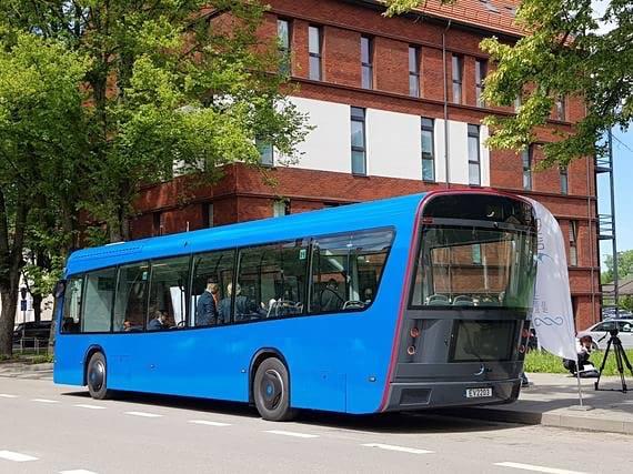 klaipedoje-pastatytas-elektrinis-autobusas-5cee55921a37f.jpg