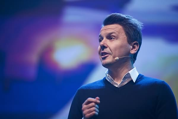 Jan+Artem+Henriksson+Sime+Awards+2017+09IzAEZcCidl.jpg