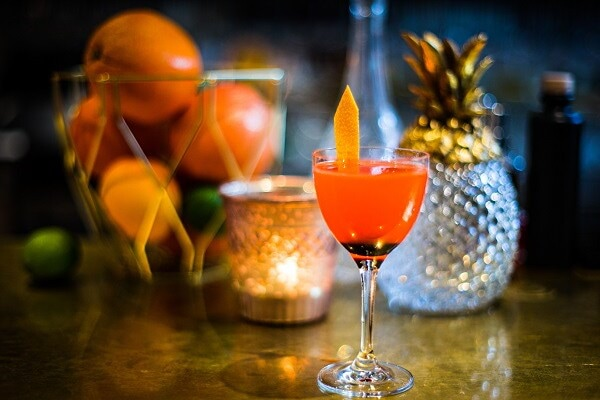 Bartender till Golfbarens nya inomhusanläggning Signal by Golfbaren image