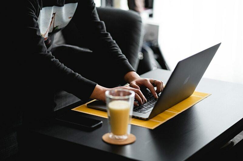 Consultor/a Comunicación Corporativa- Tecnología image