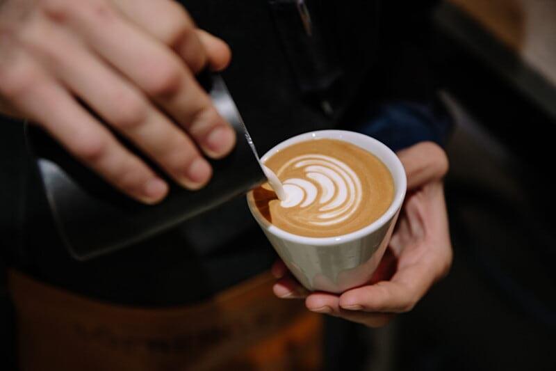 Vi søker flere barister og kafémedarbeidere! image