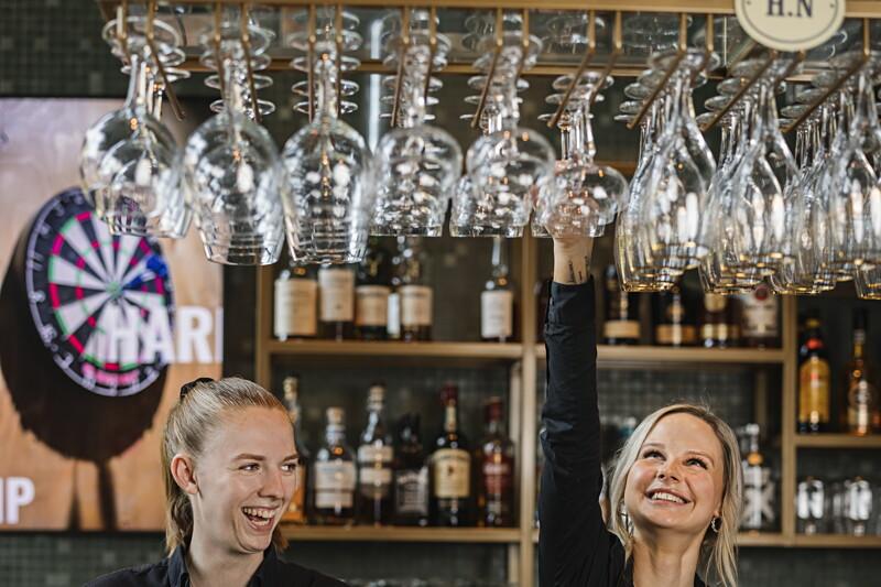 Bartender till Harrys Sälen! image