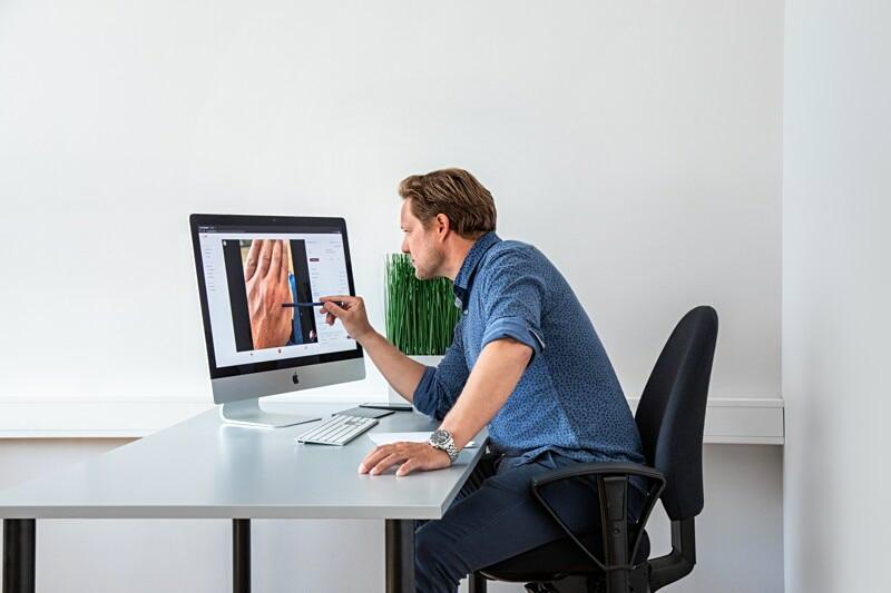 Vi søker psykologer som ønsker å jobbe digitalt image