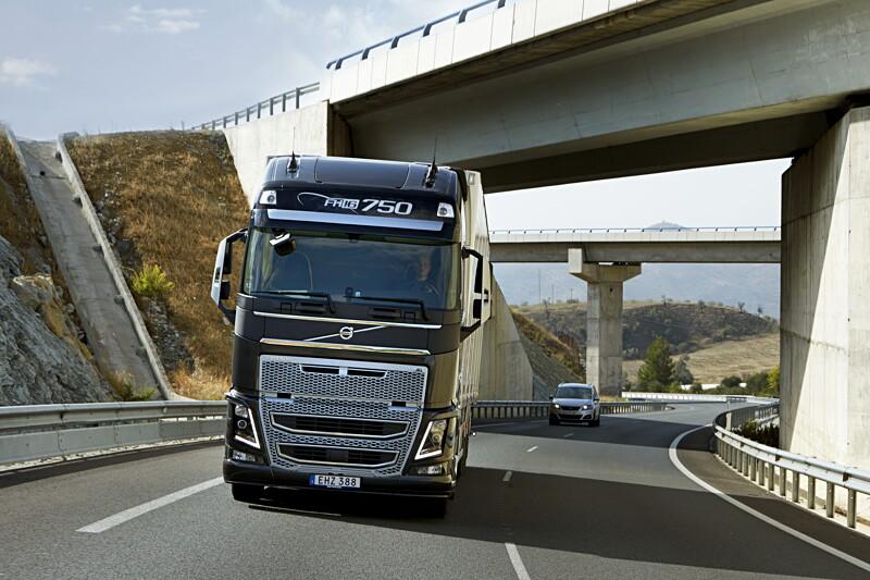 Rejmes Transportfordon söker Lastbilsmekaniker - Halmstad image
