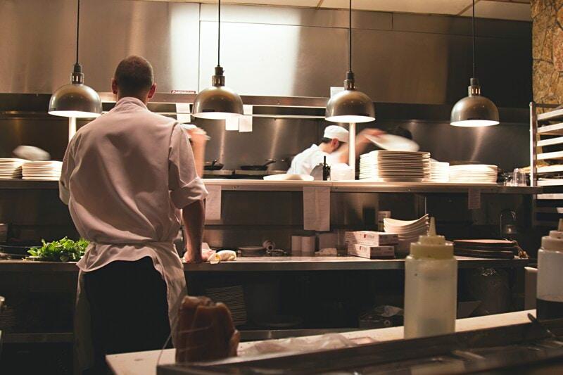 Sök tjänst som vikarierande köksbiträde i Storstockholm image