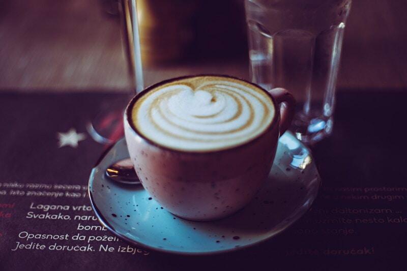 Extrajobb café- /restaurangvärd image
