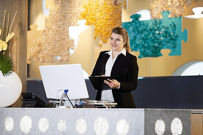 HOTELLRECEPTIONISTER (OPERA, TECHOTEL, HOTSOFT) image