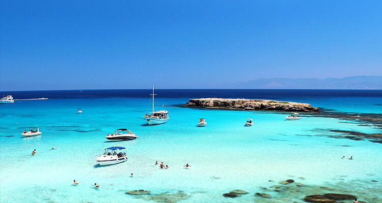 Telefonförsäljare på soliga Cypern image